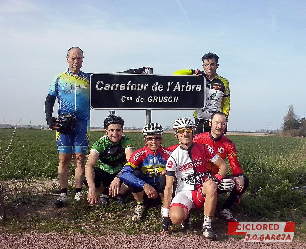 CARREFOUR DE L'ARBRE 6
