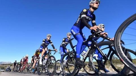 A rueda de Boonen y Tony Martin. Ciclored.com dentro del Etixx