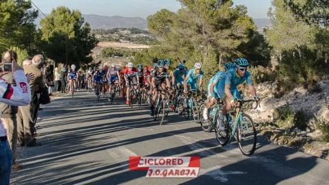 Sufrimiento en Catí; Velocidad en Valencia. Las fotos de la Vuelta CV 2016
