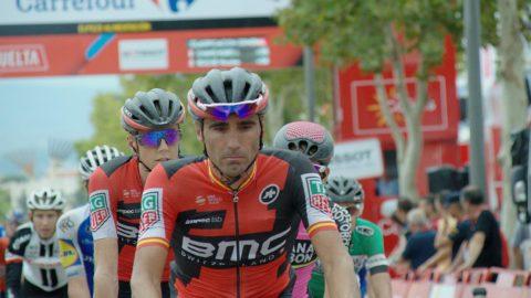Cansancio y barro. Las fotos de los gestos de dolor en la meta de la Vuelta 2017